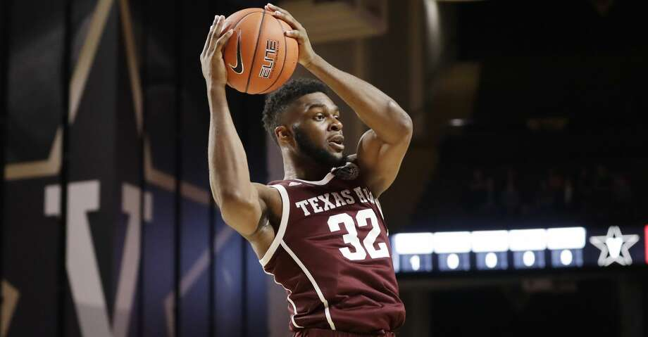 Josh Nebo led Texas A&M with 18 points in Saturday's loss to South Carolina. Photo: Mark Humphrey/Associated Press