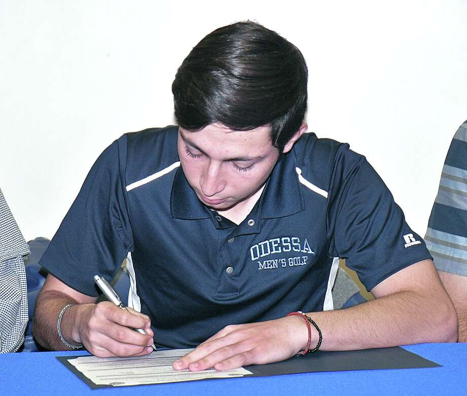 St. Augustine golfer Marcelo Garza signed with Odessa College Tuesday. Photo: Cuate Santos /Laredo Morning Times / Laredo Morning Times