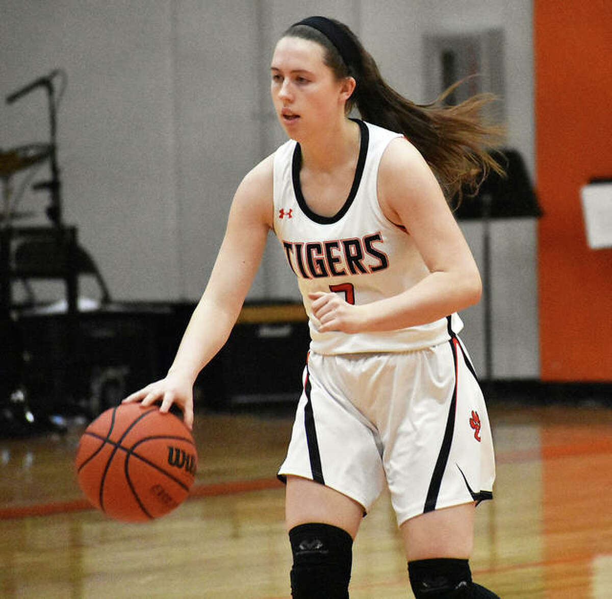 Edwardsville point guard Jacquelin Anderson runs the offense in the fourth quarter.
