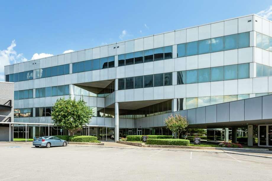 Kamal Husseinpurchased 397 N. Sam Houston Parkway, a four-story, 68,000-square-foot office building. LandPark Advisors represented the seller. Photo: LandPark Advisors / 2015
