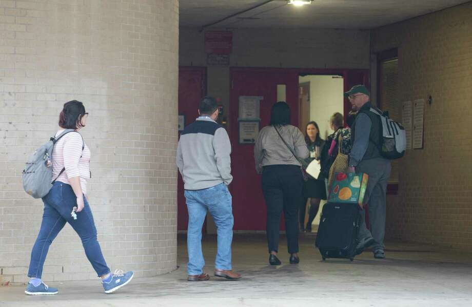 Classes are canceld at Bellaire High School, but teachers and staff return to school after a student was shot on campus and later died at the hospital on Wednesday, Jan. 15, 2020, in Bellaire. Photo: Yi-Chin Lee, Staff Photographer / © 2020 Houston Chronicle
