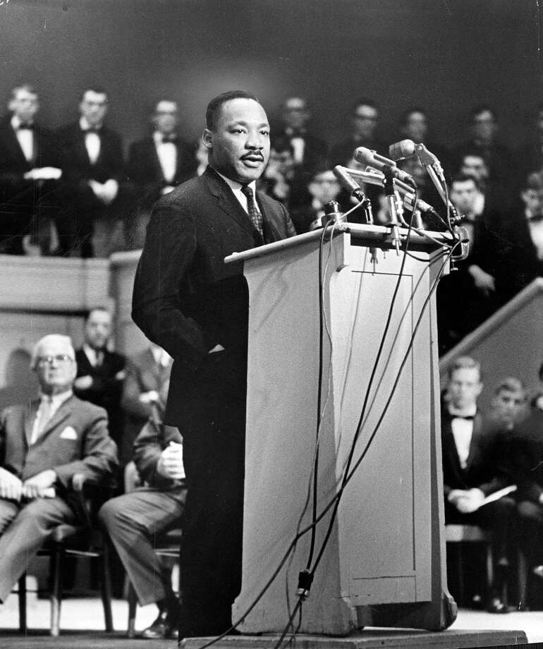 The Rev. Dr. Martin Luther King Jr. addresses the Sunday Evening Club at Orchestra Hall in Chicago on March 14, 1965. Photo: TNS / Chicago Tribune
