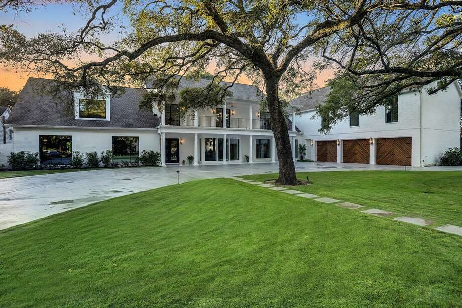3. 214 Sage Road, HoustonHouse sold: $3.8 million - $4.4 million 6 bed | 7 full & 2 half bath | 10,590 sq. ft. Photo: Houston Association Of Realtors