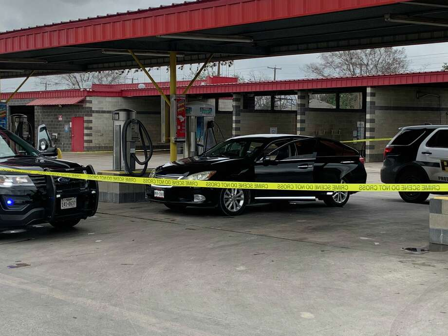 One man was hospitalized with life-threatening injuries after he was shot at a car wash Wednesday, Jan. 15 near the intersection of Gen. McMullen Drive and Ceralvo Street, according to San Antonio police. Photo: Mark Dunphy