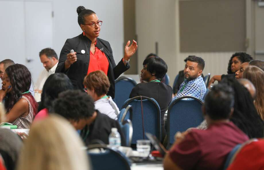 Susan Perkins, associate professor of strategic management at the University of Illinois at Chicago, speaks during an Inner City Capital Connections program held in St. Louis, Mo. Photo: Regions Bank