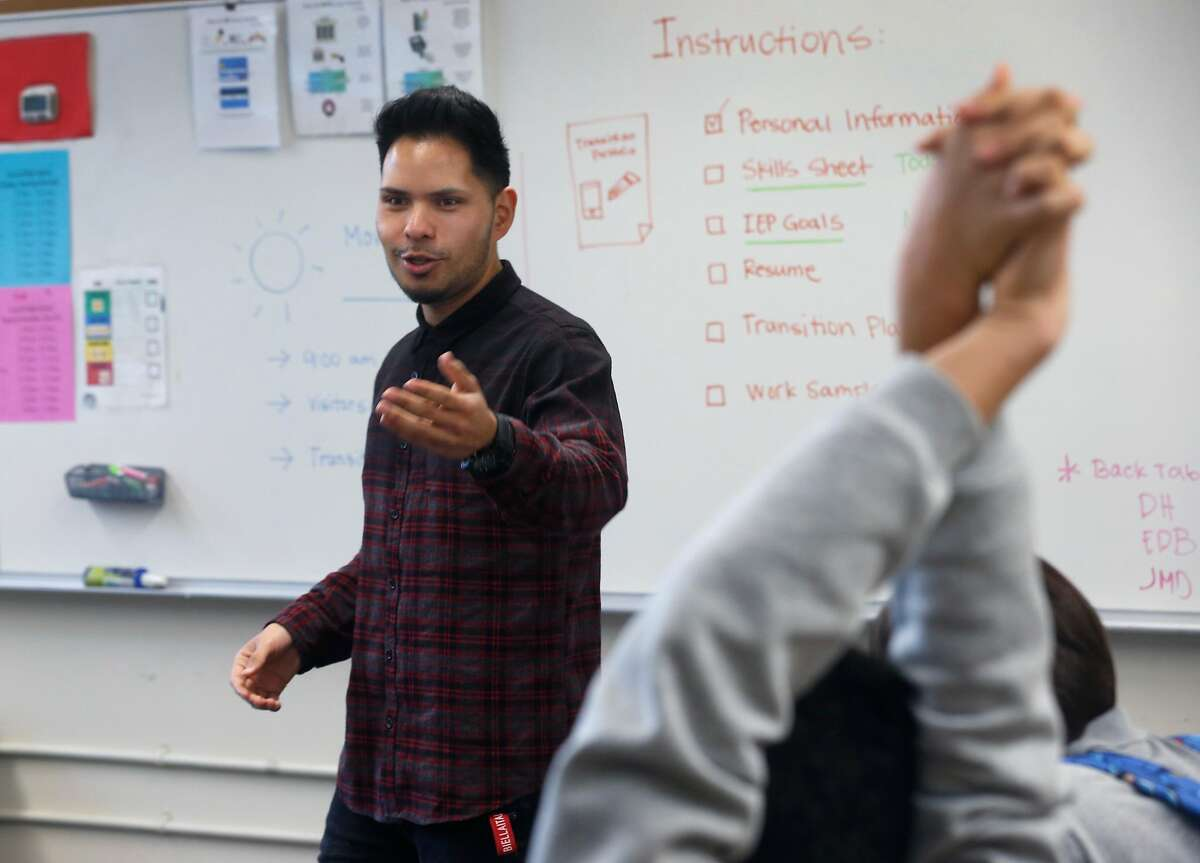 Stephen Torres Esquer teaches his students in a special education class at Lowell High School in San Francisco, Calif. on Tuesday, Jan. 22, 2019.