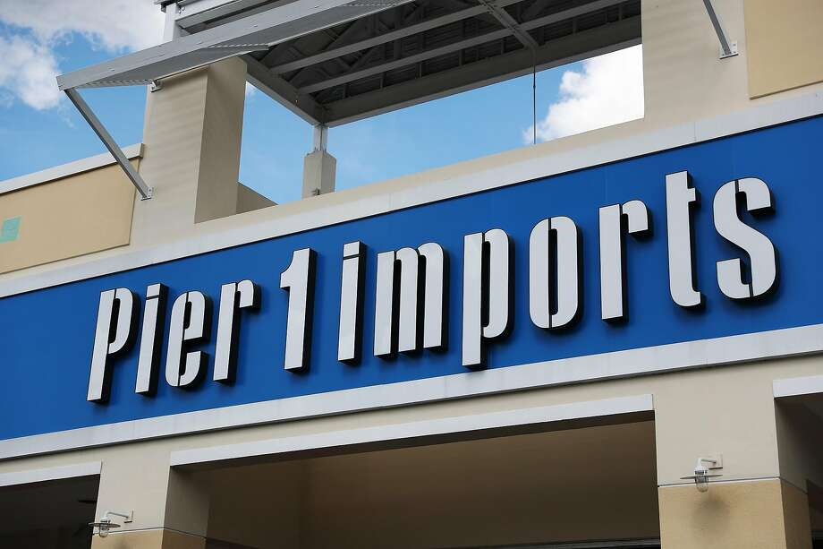 The exterior of a Pier 1 Imports store is seen as the company announced plans to close up to 450 locations on January 07, 2020 in Miami, Florida. Photo: Joe Raedle / Getty Images