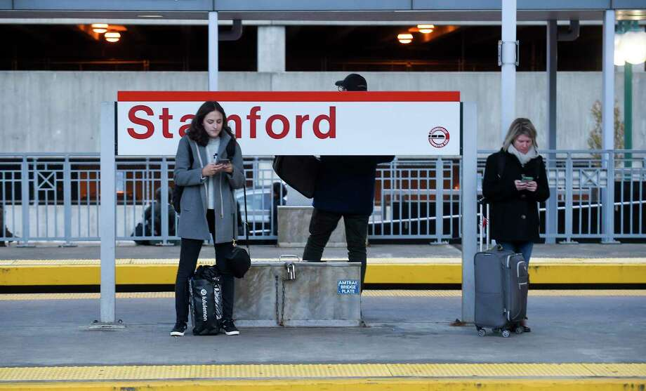 Metro-North customer service reps and management will be at the Stamford train station from 7 to 8:30 a.m. in station today. Photo: Matthew Brown / Hearst Connecticut Media / Stamford Advocate