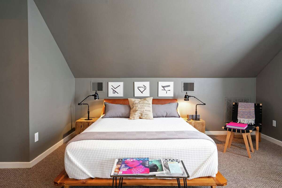 Montrose Pool House with Pool & Soothing Spa2 guests | Studio$70/night