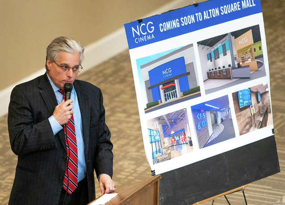 Alton Mayor Brant Walker speaks to a crowd gathered at Alton Square Mall Thursday afternoon for the announcement of NCG Cinema to open a movie theater there. Photo: Nathan Woodside | The Telegraph