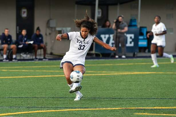 Former Yale star Aerial Chavarin made her debut with the NWSL's Chicago Red Stars on Saturday.