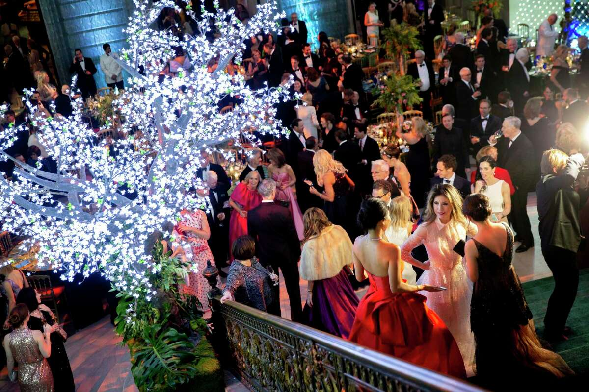 Guests attend the S.F. Ballet gala at City Hall.