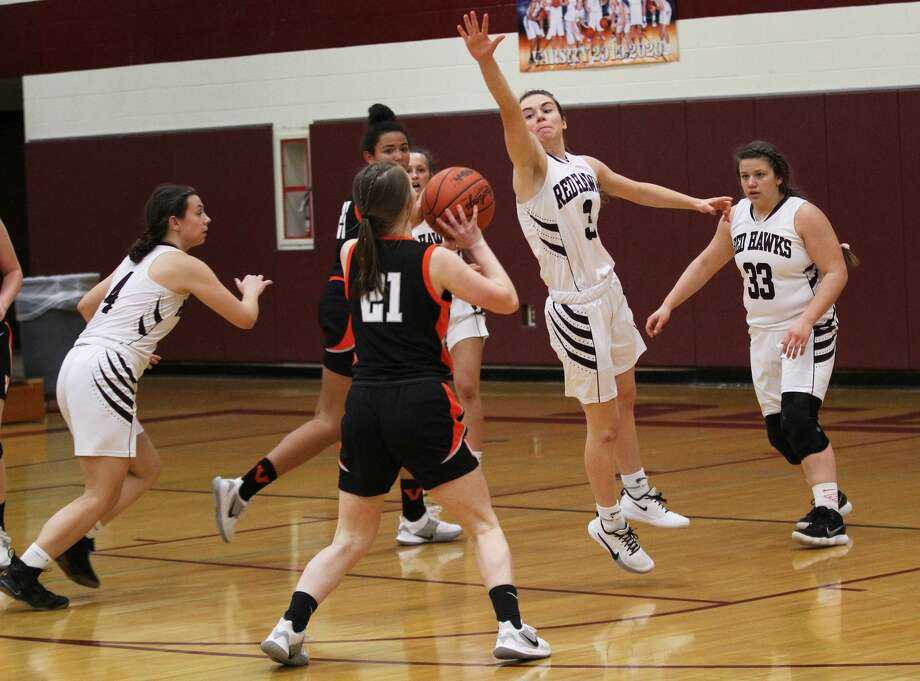 The Cass City girls basketball team improved to 6-5 on the season with a 35-27 win over Vassar on Thursday, Jan. 16, 2020. Photo: Mark Birdsall/Huron Daily Tribune
