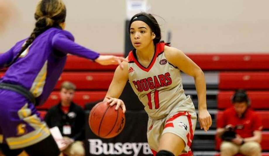 SIUE's Mikia Keith runs the offense against Tennessee Tech on Thursday. Photo: SIUE Athletics