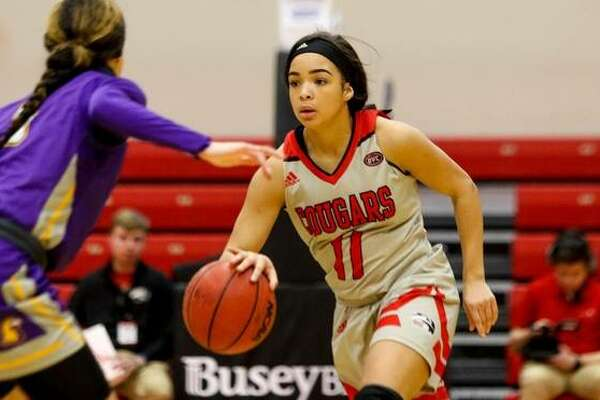 SIUE's Mikia Keith runs the offense against Tennessee Tech on Thursday.