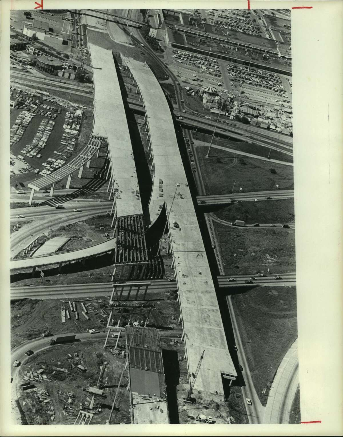 November 1974: South Loop westbound at Gulf Freeway in Gulfgate