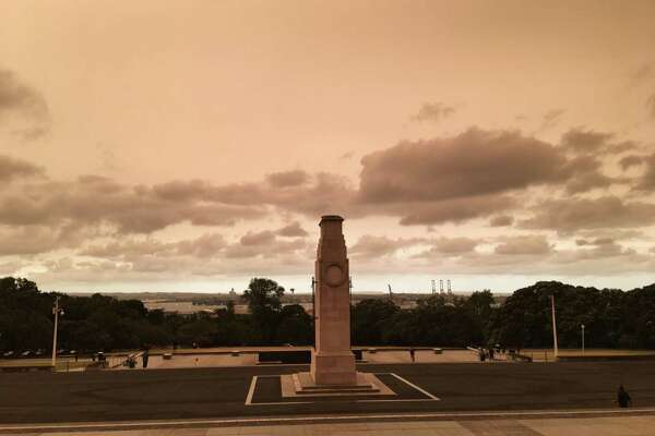 The skies were yellow over the Auckland War Memorial Museum in New Zealand recently, as a group of Quinnpiac students and professors visited the region while wildfires affect large portions of Australia.