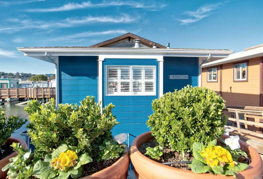 Adorable Bay Area home with ocean view is only $800,000, but there's a catch
