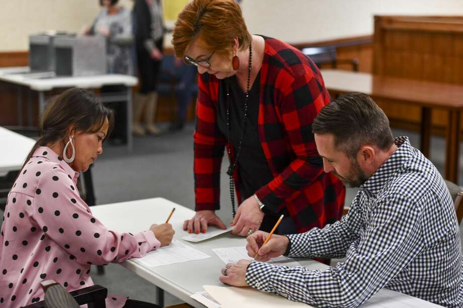 Kenye Kay Murchison, from left, Karen Hood and David Joyner count votes Friday, Jan. 17, 2020 from the MISD bond election at the Midland County Annex. Jacy Lewis/Reporter-Telegram Photo: Jacy Lewis/Reporter-Telegram