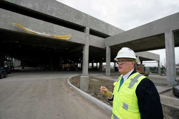 John Breeding, Uptown Houston District president, talks about the construction of the Uptown Westpark Transit Center on Jan. 9, 2020. The Uptown Westpark Transit Center will be the southern end of the Post Oak bus rapid transit project.