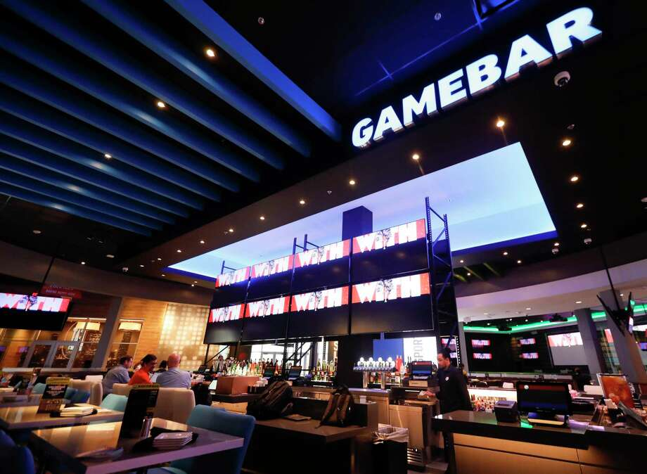 Dave and Busters' new sports bar in Shenandoah has a 2,100 seating capacity. The 40,000 square foot entertainment complex, is scheduled to open Jan. 20, features the latest arcade games, billiards, bowling, virtual reality entertainment, conference room and sports bar. Photo: Jason Fochtman, Houston Chronicle / Staff Photographer / Houston Chronicle © 2020
