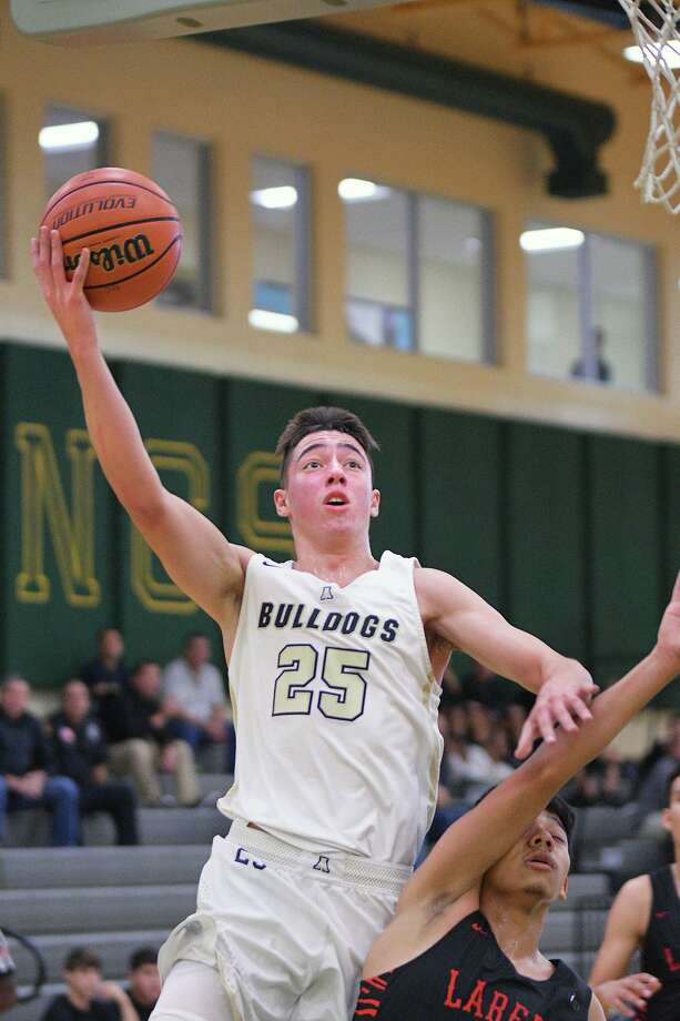 Abel Gonzalez has scored a season-high 22 points on two occasions this season and has two others games with 17 points. Photo: Cuate Santos /Laredo Morning Times File / Laredo Morning Times