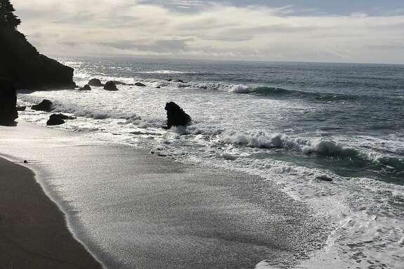 Surf on the Sonoma county coast