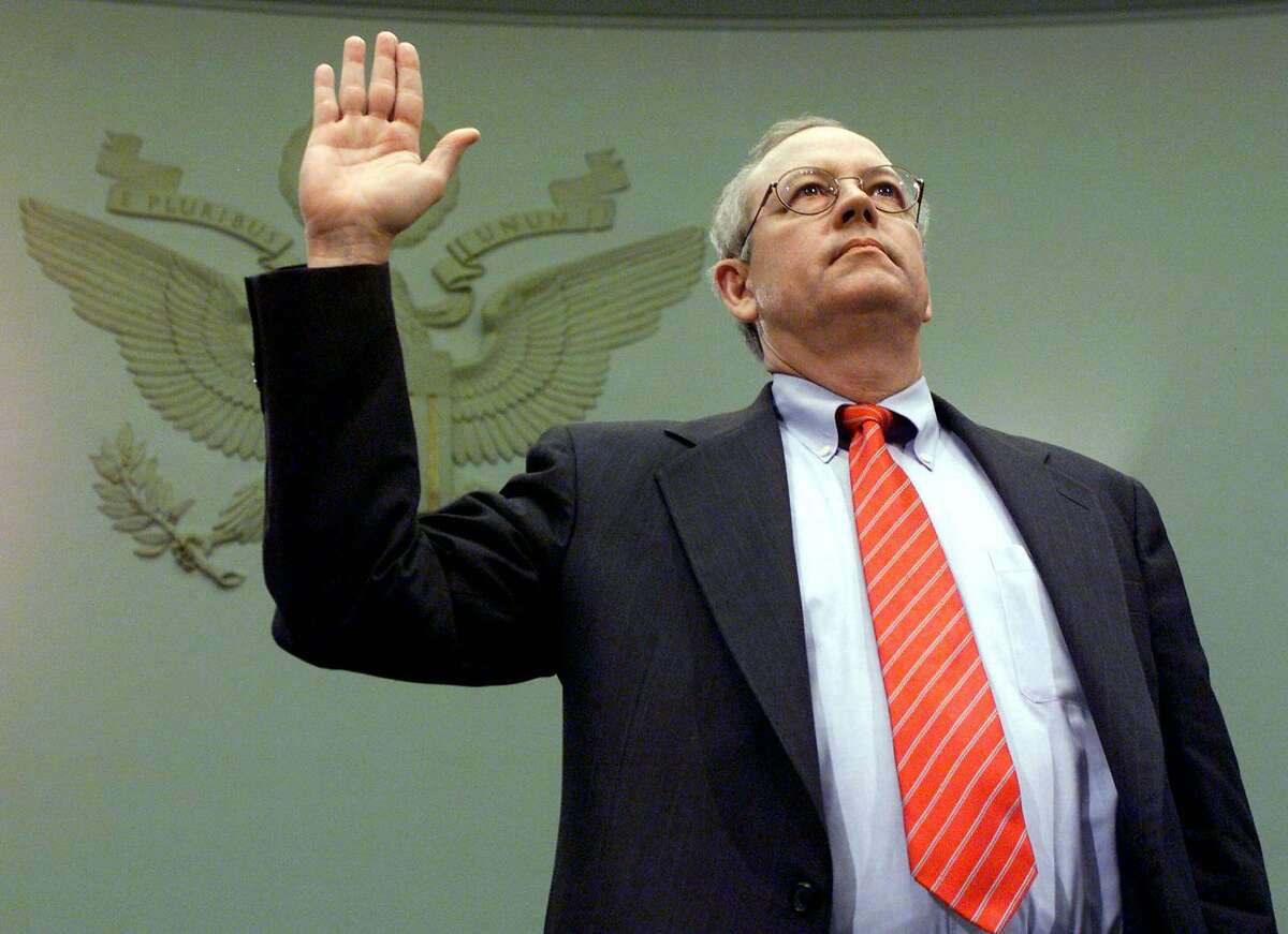 """In this file photo taken on November 19, 1998, Independent counsel Kenneth Starr is sworn in to testify before the House Judiciary Committee impeachment inquiry in Washington, DC. Starr is expected to testify that US President Bill Clinton misused """"the machinery of government"""" to illegally interfere with the Paula Jones sexual harassment lawsuit. - According to media reports, US President Donald Trump is adding to his impeachment team of lawyers, former special counsel Kenneth Starr, whose Whitewater investigation led to the impeachment and acquittal of former President Bill Clinton; Robert Ray, Starr's successor in the Whitewater investigation; and constitutional-law professor Alan Dershowitz."""