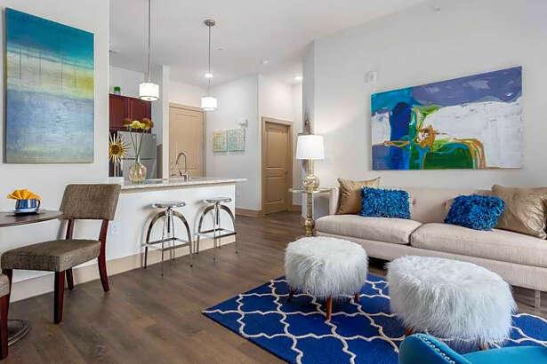 16333 Vance Jackson Road.   Photo: Apartment Guide