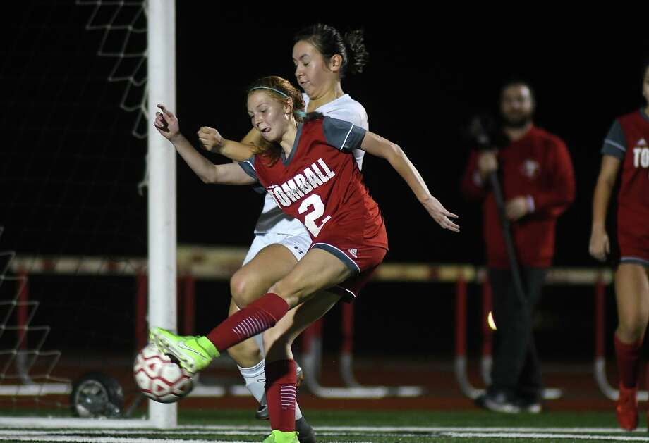 Tomball's Kendall Hall (2) works for a shot on goal against a Huntsville defender during the first period of their matchup at Tomball ISD Stadium on Jan. 14, 2020. Photo: Jerry Baker, Houston Chronicle / Contributor / Houston Chronicle