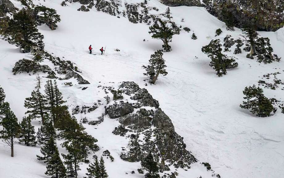 Witnesses describe Alpine Meadows avalanche that left a skier dead: 'He couldn't get out of it'