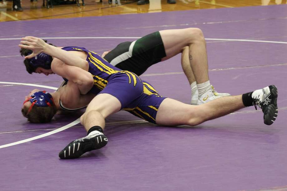Jared Coxe pins Seth Duncanof Pine River to avenge a 3-4 loss from the previous week. Coxe now sits at 17-4 on the season. Photo: Submitted Photo