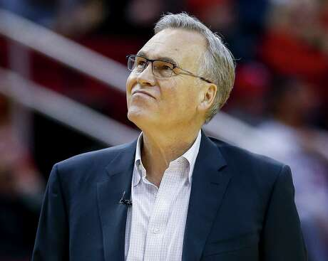 The scoreboard wasn't a pleasant sight Saturday night for coach Mike D'Antoni and the Rockets, whose 124-115 loss to the Lakers marked their third consecutive defeat.