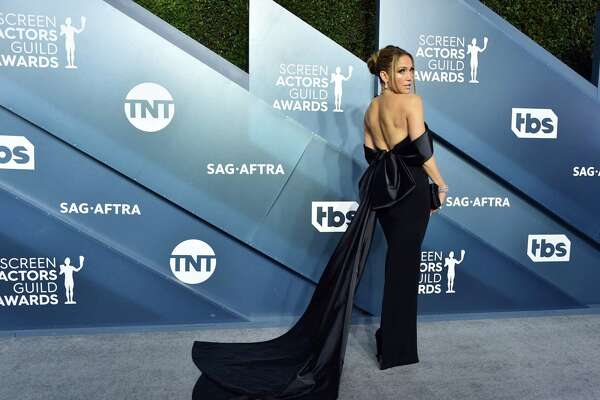 LOS ANGELES, CALIFORNIA - JANUARY 19: Jennifer Lopez attends the 26th Annual Screen ActorsGuild Awards at The Shrine Auditorium on January 19, 2020 in Los Angeles, California. 721430