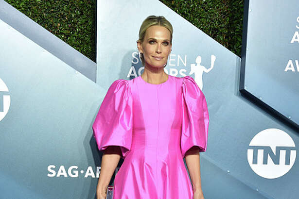 Molly Sims attends the 26th Annual Screen ActorsGuild Awards at The Shrine Auditorium on January 19, 2020 in Los Angeles, California. 721430 (Photo by Gregg DeGuire/Getty Images for Turner)