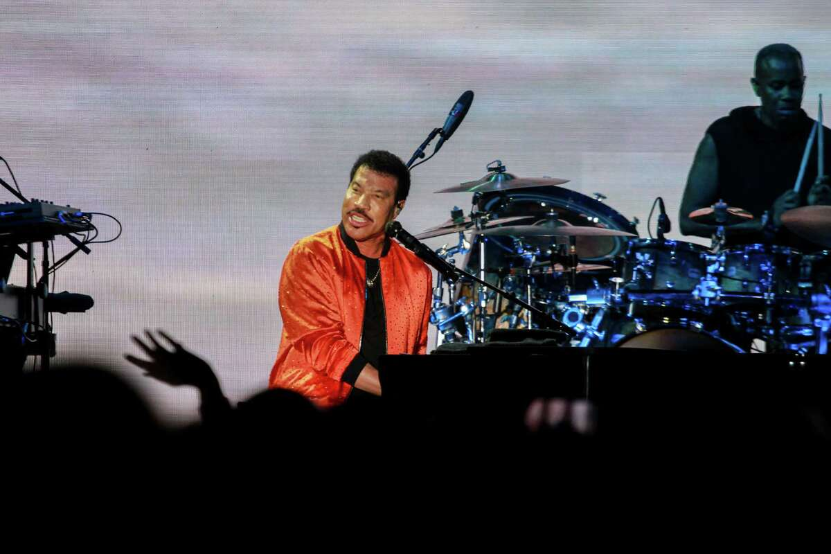 Lionel Richie performing at the Astros Foundation's Diamond Dreams gala at Minute Maid Park on January 17, 2020.