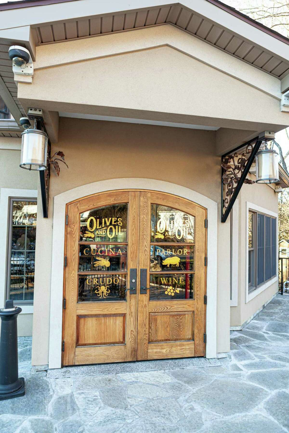 """The latest addition to the Valley's culinary scene-Olives & Oil- has opened its """"electric Italian cuisine"""" restaurant on Roosevelt Drive."""