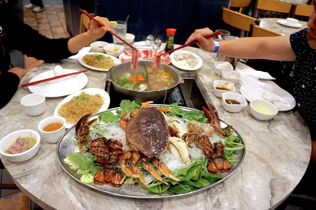 Sinh Sinh offers classic Cantonese-style hot pot with a heavy focus on seafood.