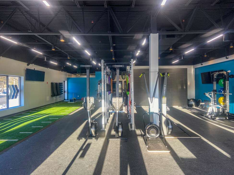 A storefront fitness center operated by the YMCA and marketed for those seeking high-intensity workouts will be opening off Wolf Road next month.