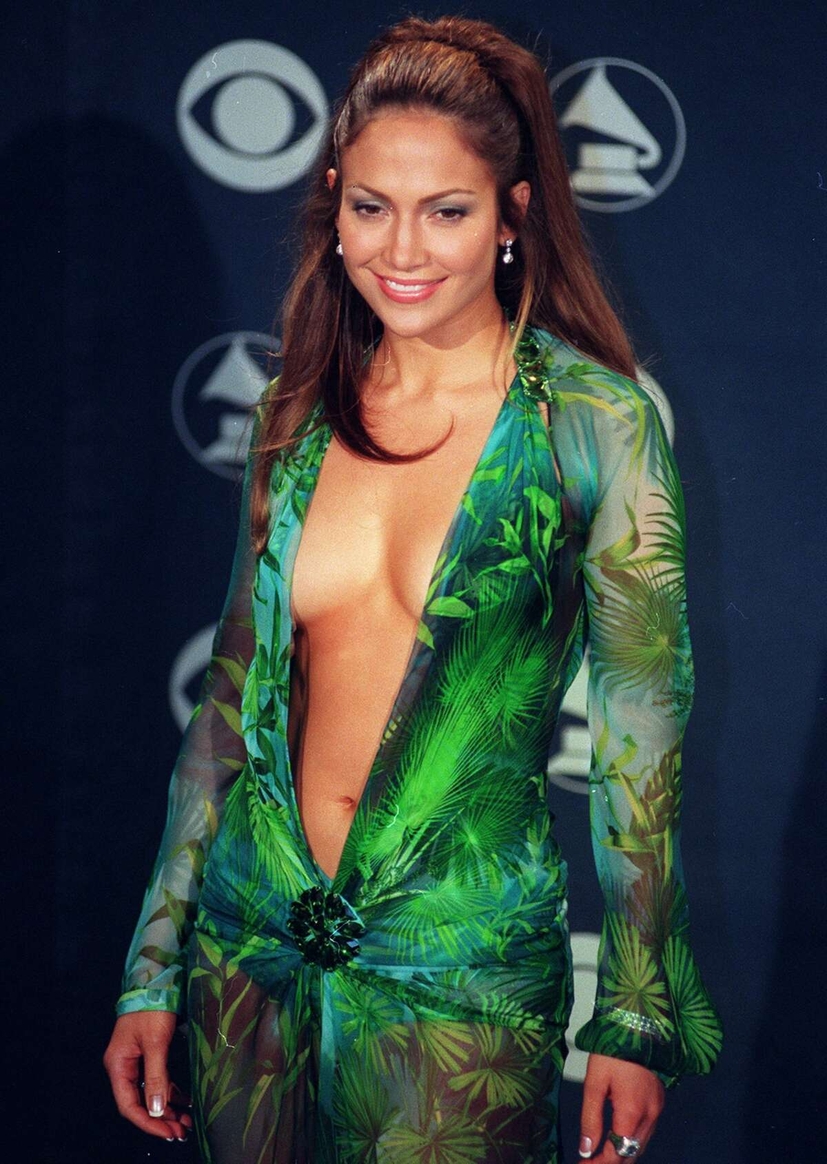 2000: J. Lo wears The Dress Just before the Grammys in February 2000, Jennifer Lopez was too busy to find a gown. Her debut album,