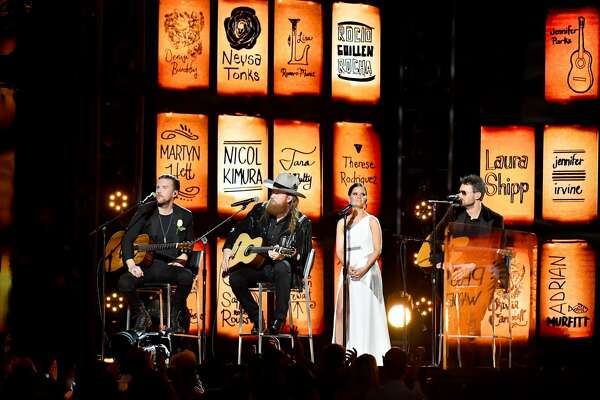 NEW YORK, NY - JANUARY 28: (L-R) Recording artists T.J. Osborne and John Osborne of musical group Brothers Osborne, Maren Morris and Eric Church perform onstage during the 60th Annual GRAMMY Awards at Madison Square Garden on January 28, 2018 in New York City. (Photo by Jeff Kravitz/FilmMagic)