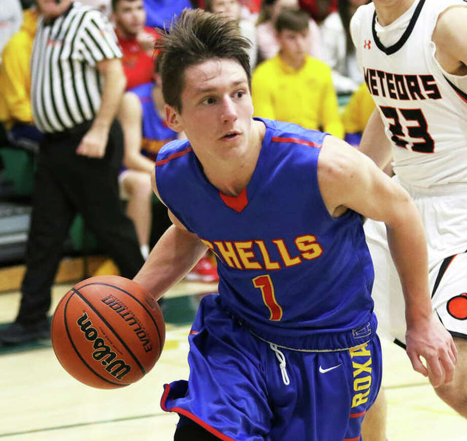 Roxana's Andrew Beckman, shown during a Nov. 29 game against Marissa at the Metro-East Lutheran Tourney in Edwardsville, scored 19 points Monday night in the Shells' win over Carlyle at the Okawville Tournament. Photo: Greg Shashack / The Telegraph