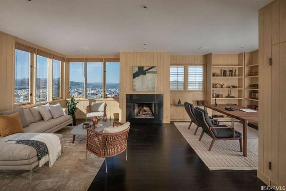 Charles Schwab's San Francisco home, a modern masterpiece by the noted local architect Gardner Dailey, sold last month for $14 million. Photo: Photography By Jacob Elliott, Realtor.com