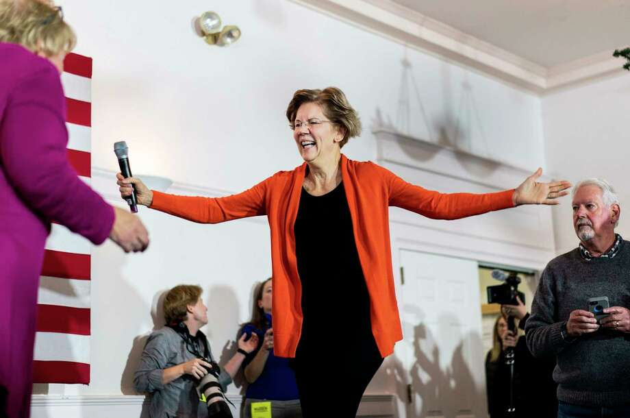 Democratic presidential candidate Sen. Elizabeth Warren speaks to and meets New Hampshire voters in Rochester, N.H., on Dec. 7, 2019. Photo: Washington Post Photo By Melina Mara / The Washington Post