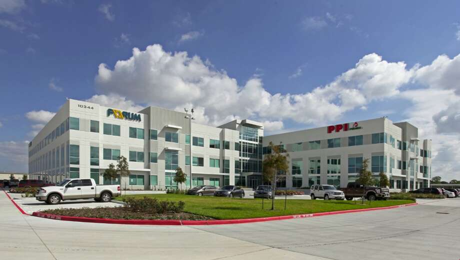JLL arranged a $20 million refinancing for the Sam Houston Crossing II office building at 10344 Sam Houston Parkway in northwest Houston Photo: JLL
