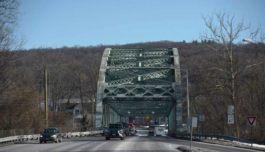 Veterans Bridge in New Milford is structurally deficient and the DOT will be rehabbing it over the course of the year. Tuesday, January 20, 2020, in New Milford, Conn. Looking towards downtown from Route 7. Photo: H John Voorhees III / Hearst Connecticut Media / The News-Times