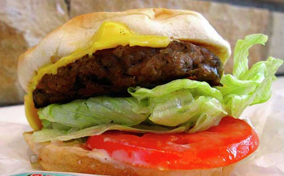 The popular Austin hamburger chain P. Terry's Burger Stand is expanding to San Antonio in fall 2020. Photo: Mike Sutter /Staff File Photo