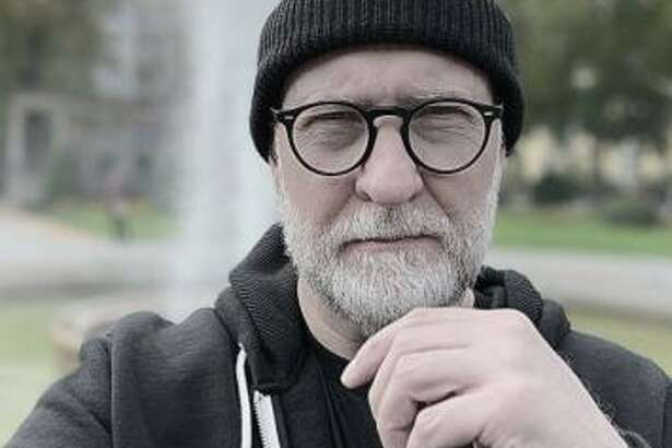 Alt-rock godfather Bob Mould brings his solo show to Infinity Hall in Norfolk Jan. 22, and The Warehouse at Fairfield Theatre Company Jan. 24.