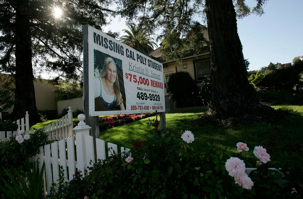 Smart_jrs_0220.jpg The sign in front of the office of Kristin's mother's lawyer in Arroyo Grande. Story about the college student Kristin Smart who disappeared from Cal Poly in San Luis Obispo. John Storey San Luis Obispo Event on 5/19/05