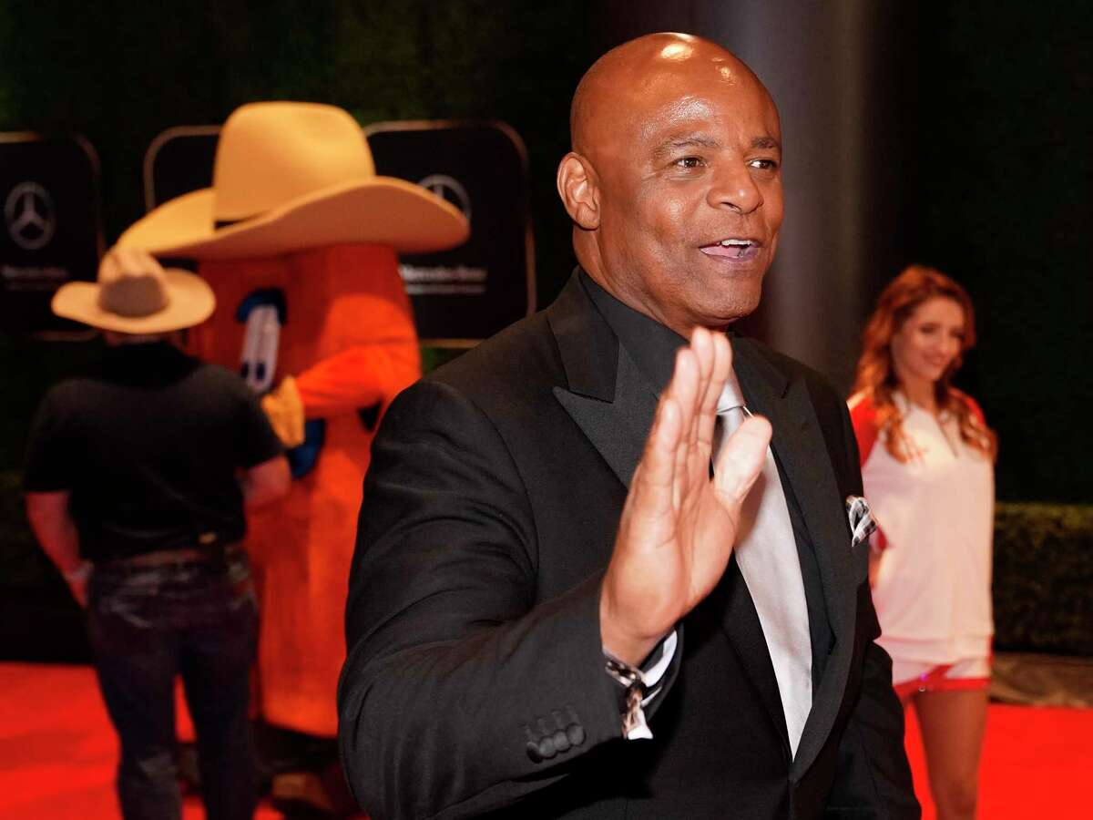 Warren Moon, former Houston Oilers quarterback, walks the red carpet at the 3rd Annual Houston Sports Awards Tuesday, Jan. 21, 2020, Hilton Americas, 1600 Lamar St., in Houston.